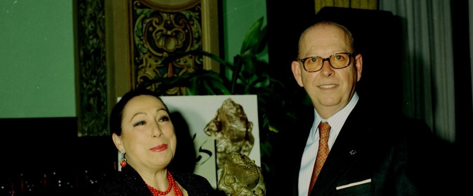"Memoria del Compás del Cante: ""Cristina Hoyos""(2000). Reportaje yentrevista"