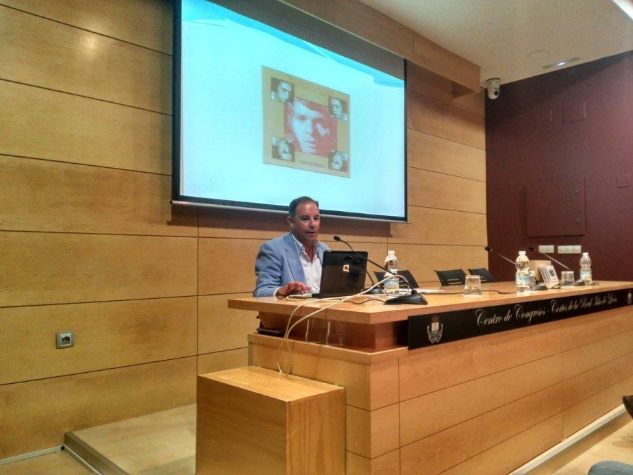 """Extraordinaria acogida de la conferencia """"Camarón – Paco de Lucía"""" en laIsla"""
