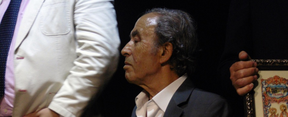 Pesar por el fallecimiento de Paco Taranto, gran cantaor y trianero dehonor