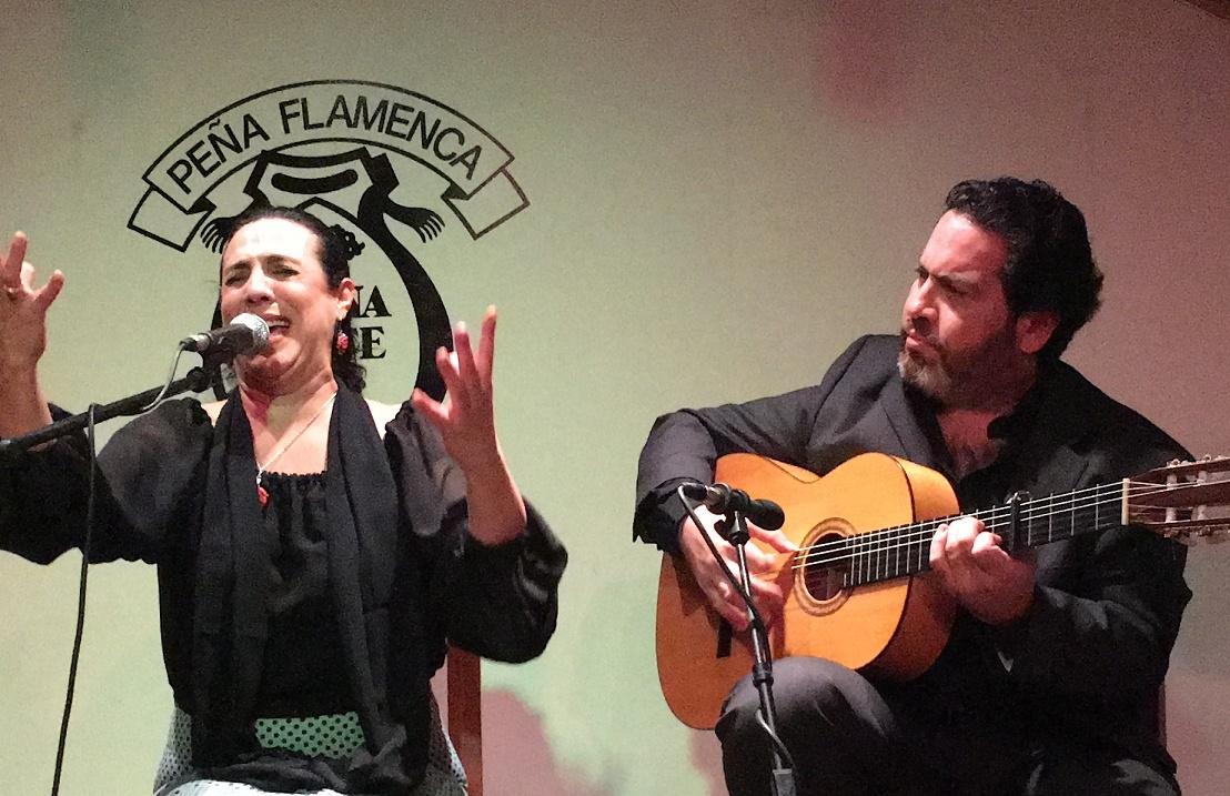 Video.- Coral de los Reyes en homenaje a Isabelita de Jerez en La BuenaGente
