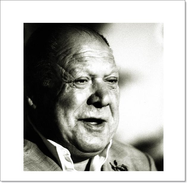 """Programa.- De aquel homenaje en 2010 a Tío Gregorio """"El Borrico"""" en el Teatro Villamarta(I)"""