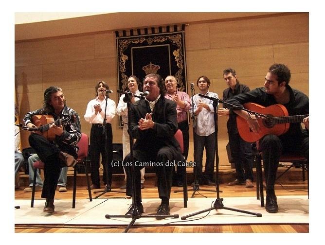 """El libro """"25 años de la agenda cultural de la UCA"""" destaca nuestro compromiso con el flamencouniversitario"""