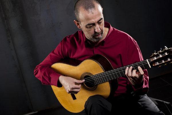 """Programa.- El guitarrista Oscar Herrero nos presenta su disco """"Salinas"""""""