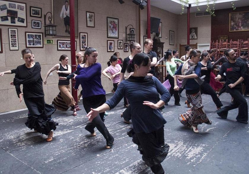 Las academias se suman a la oferta flamenca del verano enJerez