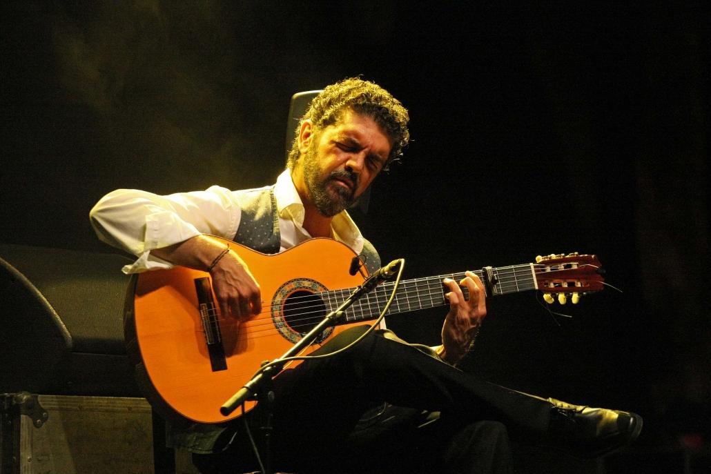 José Carlos Gómez, una guitarra de gran altura para comenzar el verano en Jerez(documental)