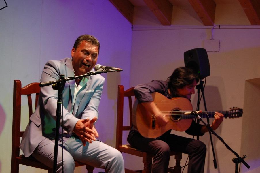 Ignacio Fajardo y Saira Malena, ganadores del concurso 'El cante en rama' de la Bienal deJerez