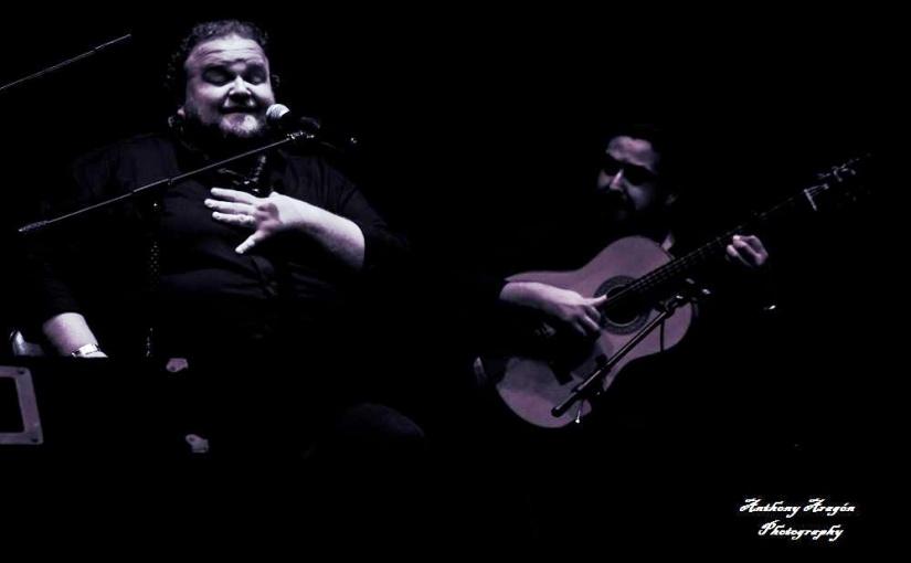 Catando vídeos.- Ezequiel Benítez y José de Pura en el Teatro deGuadalcacín